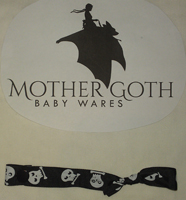 Mother Goth Nifty Noose Snap skulls
